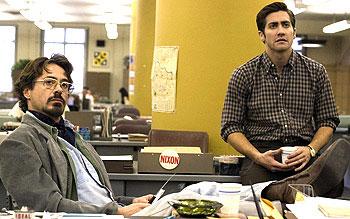 Robert Downey Jr. e Jake Gyllenhaal em cena de Zodiaco