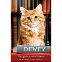 Um gato entre livros