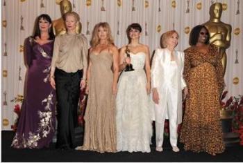 Penélope Cruz, Melhor Atriz Coadjuvante, com Anjelica Houston, Tilda Swinton, Goldie Hawn, Whoopi Goldberg