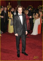 robert-pattinson-2009-oscars-02