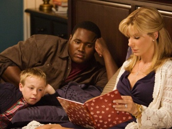 "Leigh Anne lê 'Ferdinando o Touro"" para os filhos"