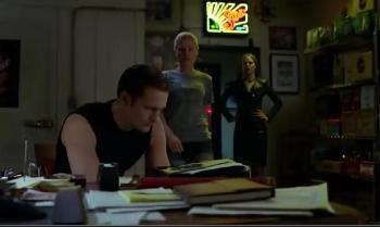 Eric, Sookie e Pam no Fangtasia