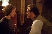 Mia Wasikowska e Michael Fassbender em cena do filme